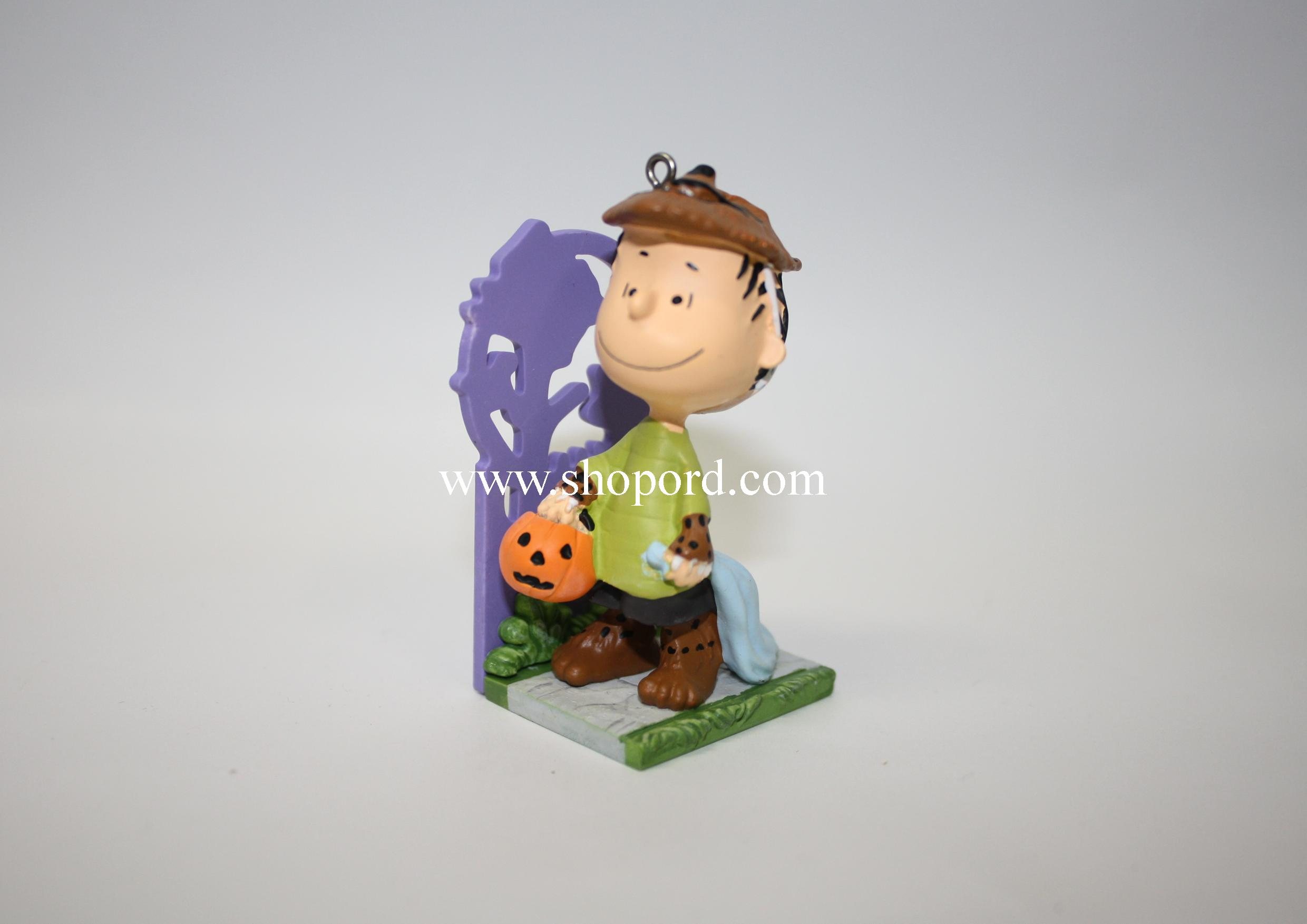 hallmark 2011 A Howling Good Time Linus Halloween Ornament The ...