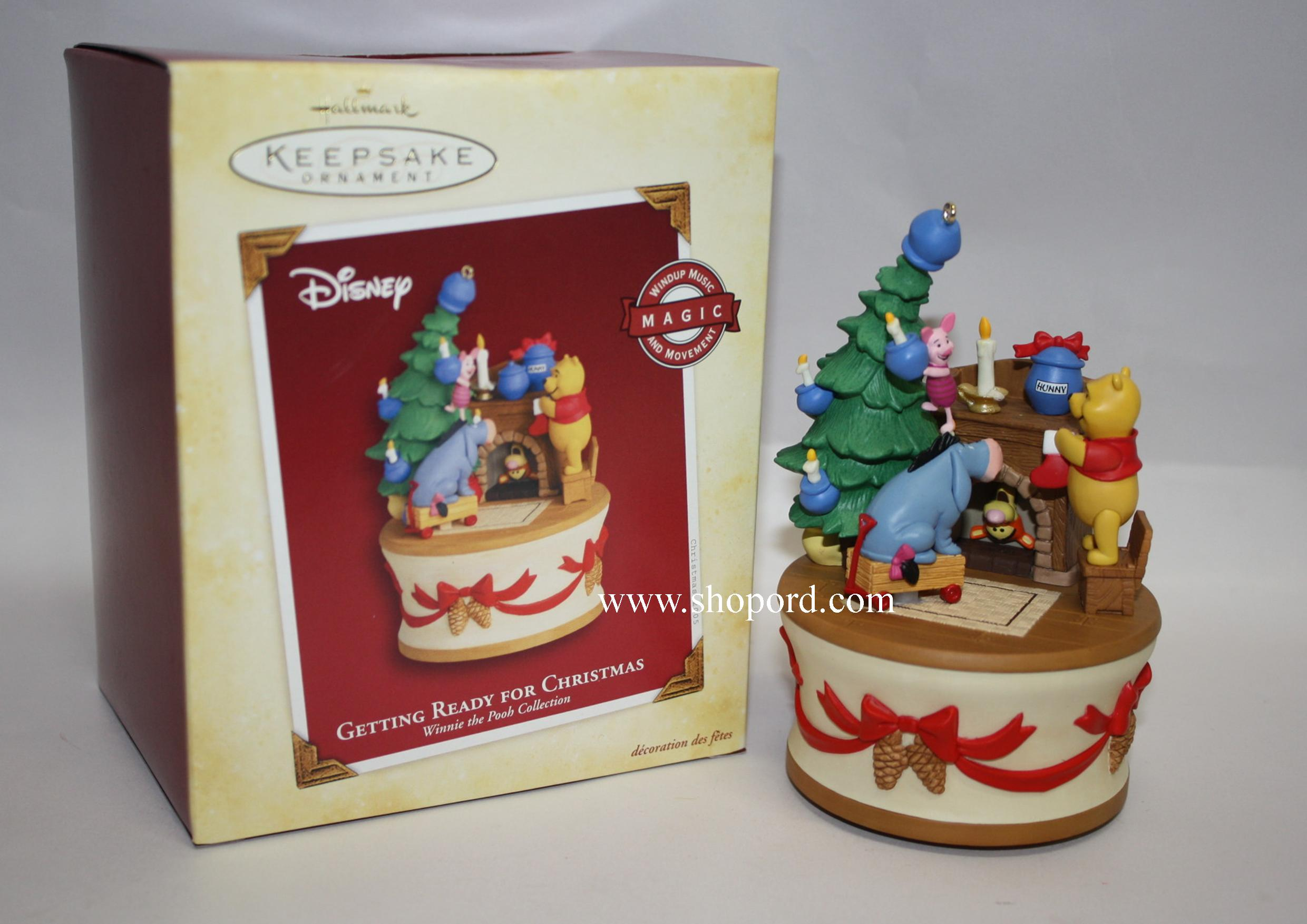 Hallmark 2005 Getting Ready For Christmas Ornament Winnie the Pooh ...