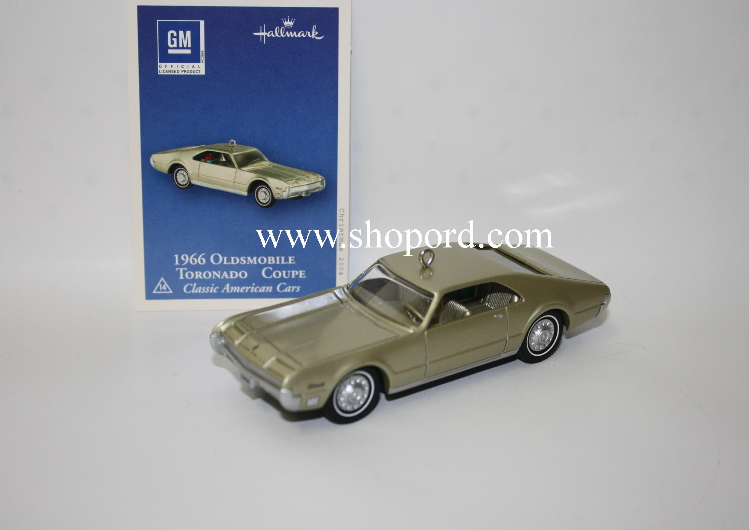Hallmark 1966 Oldsmobile Toronado Coupe 2004 Ornament 14rh in the Classic American Cars Series QX8151