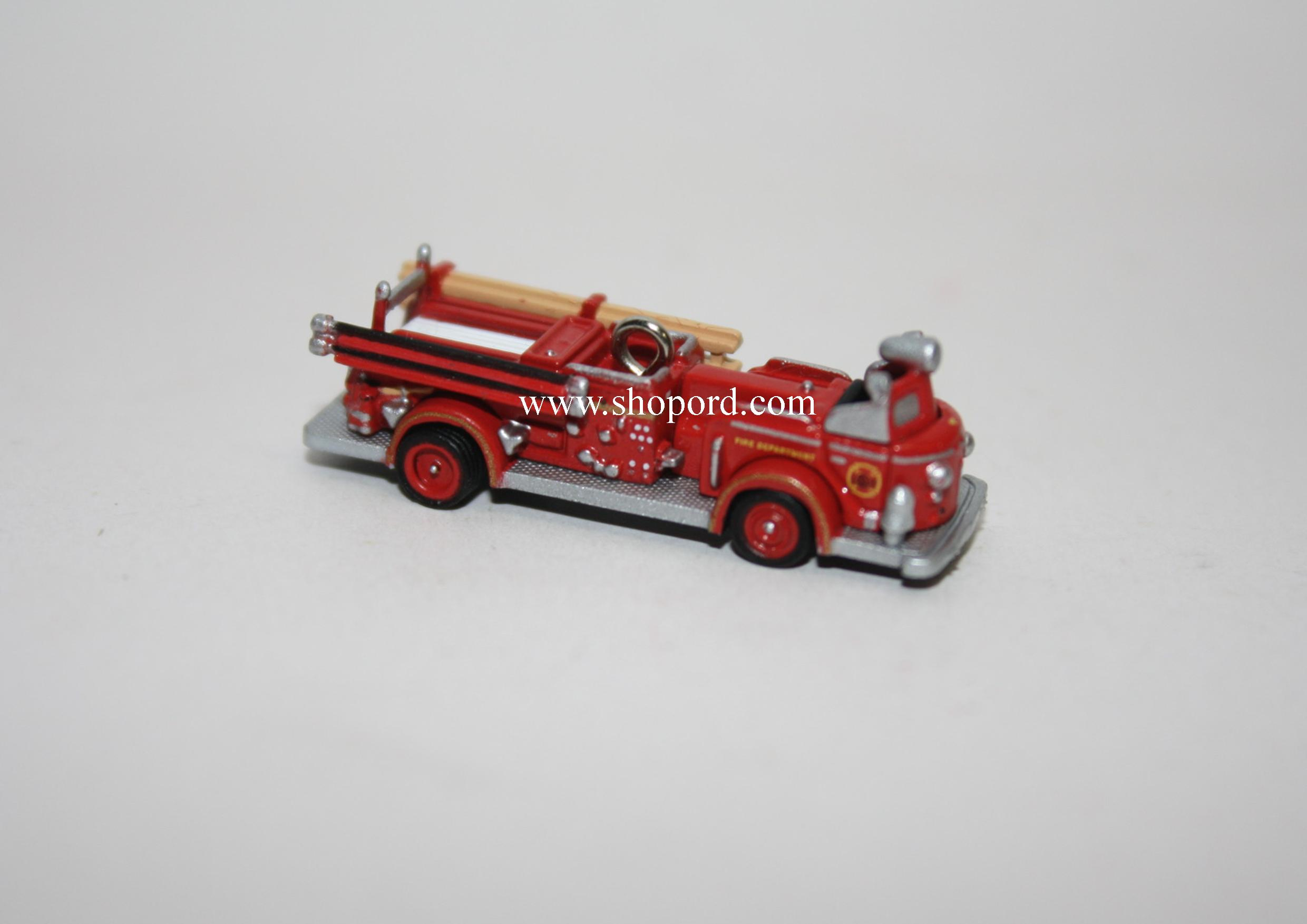 Hallmark 2005 American LaFrance 700 Series Pumper Miniature Ornament 2nd in the Miniature Fire Brigade series QXM2062