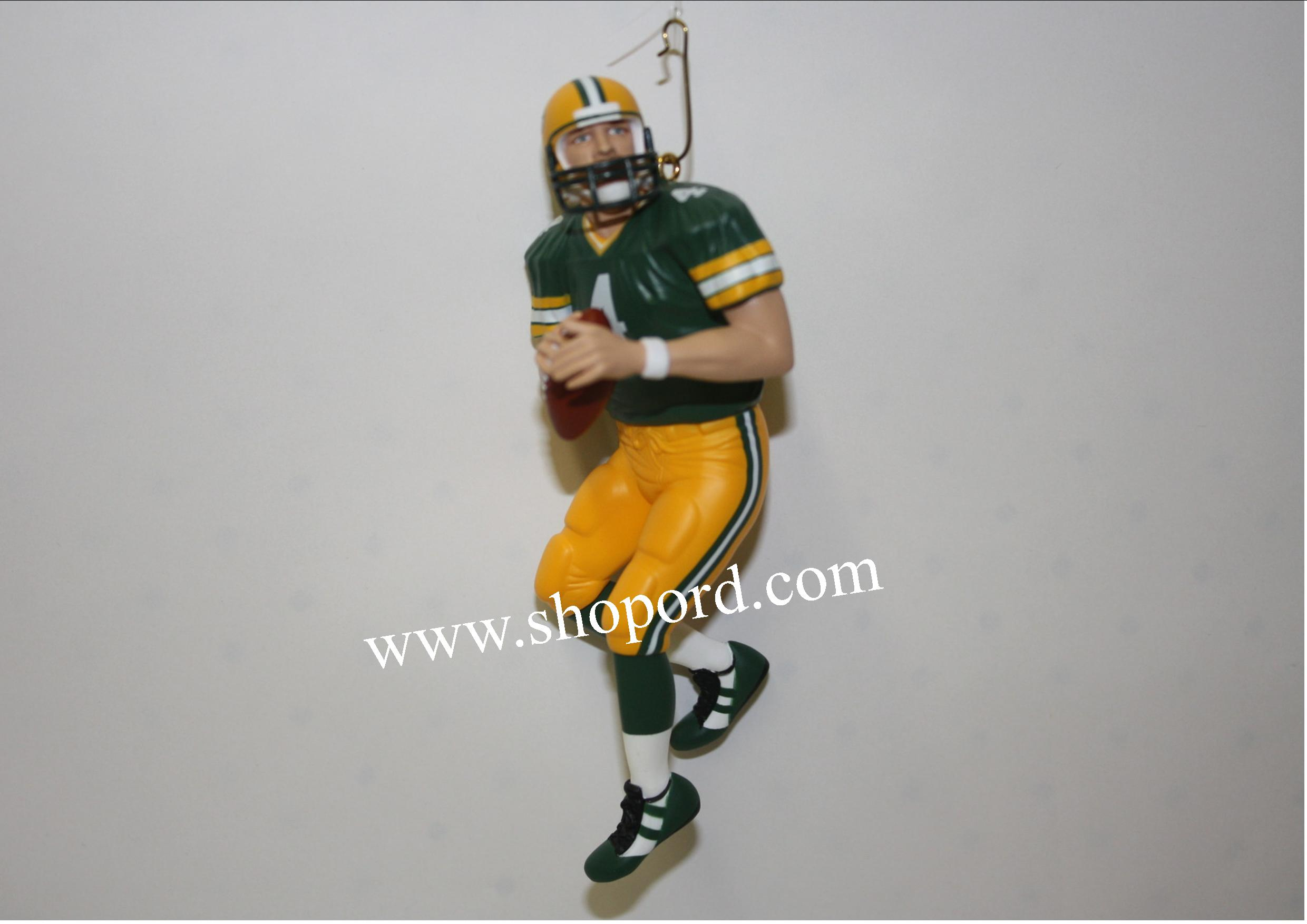 Hallmark 2001 Brett Bavre Ornament 7th In The Football Legend Series QX5232