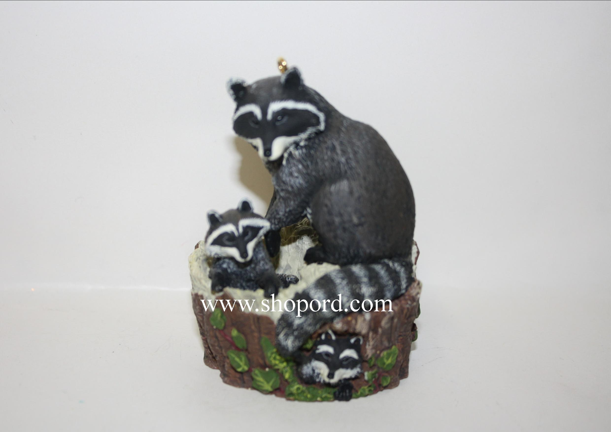 Hallmark 1999 Curious Raccoons Ornament 3rd In The Majestic Wilderness Series QX6287
