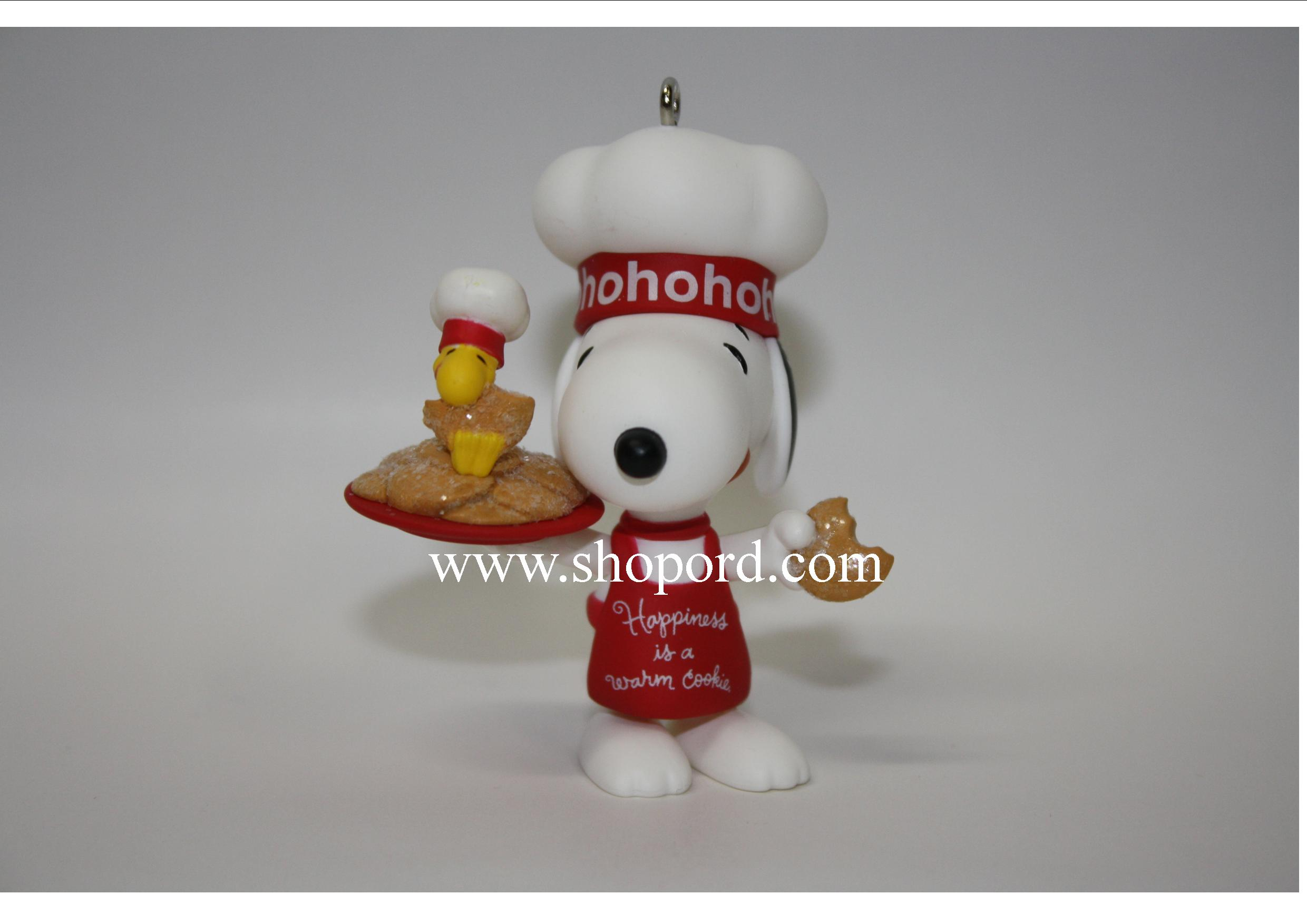 Hallmark 2011 Happiness Is a Warm Cookie Ornament Snoopy The Peanuts Gang QK5007