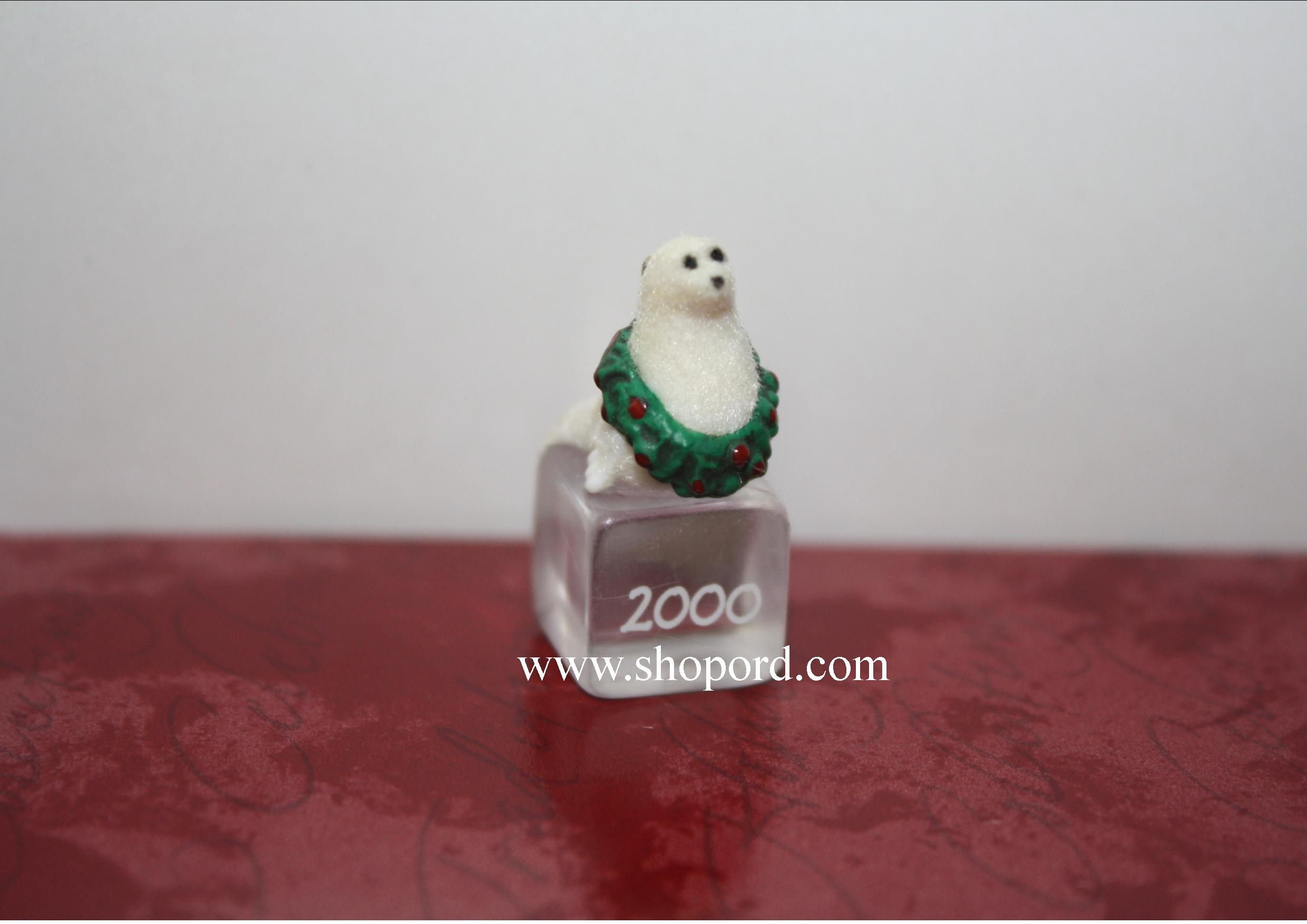 Hallmark 2000 Ice Block Buddies Miniature Ornament 1st In The Series QXM6011
