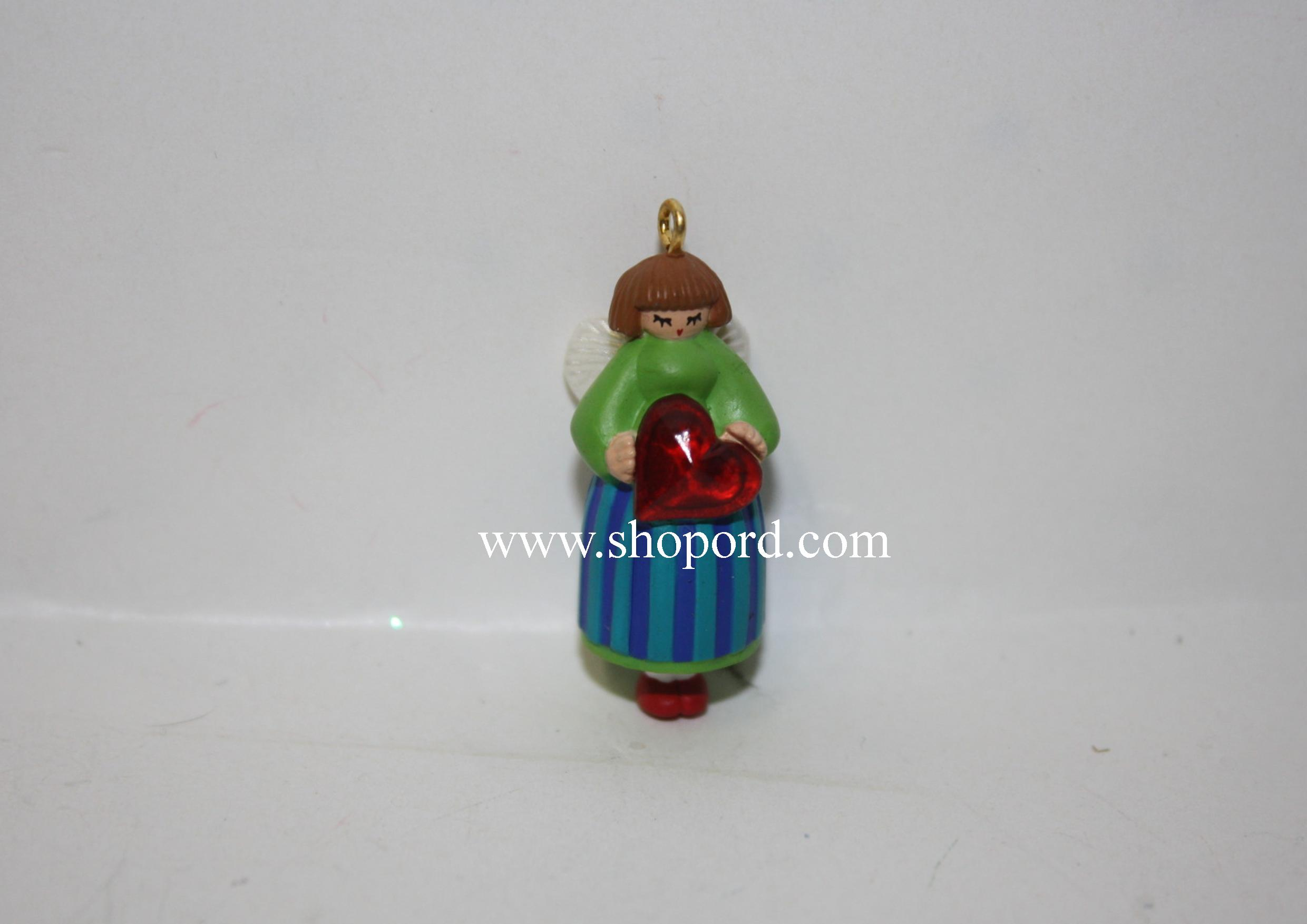 Hallmark 1999 Love To Share Miniature Ornament QXM4557