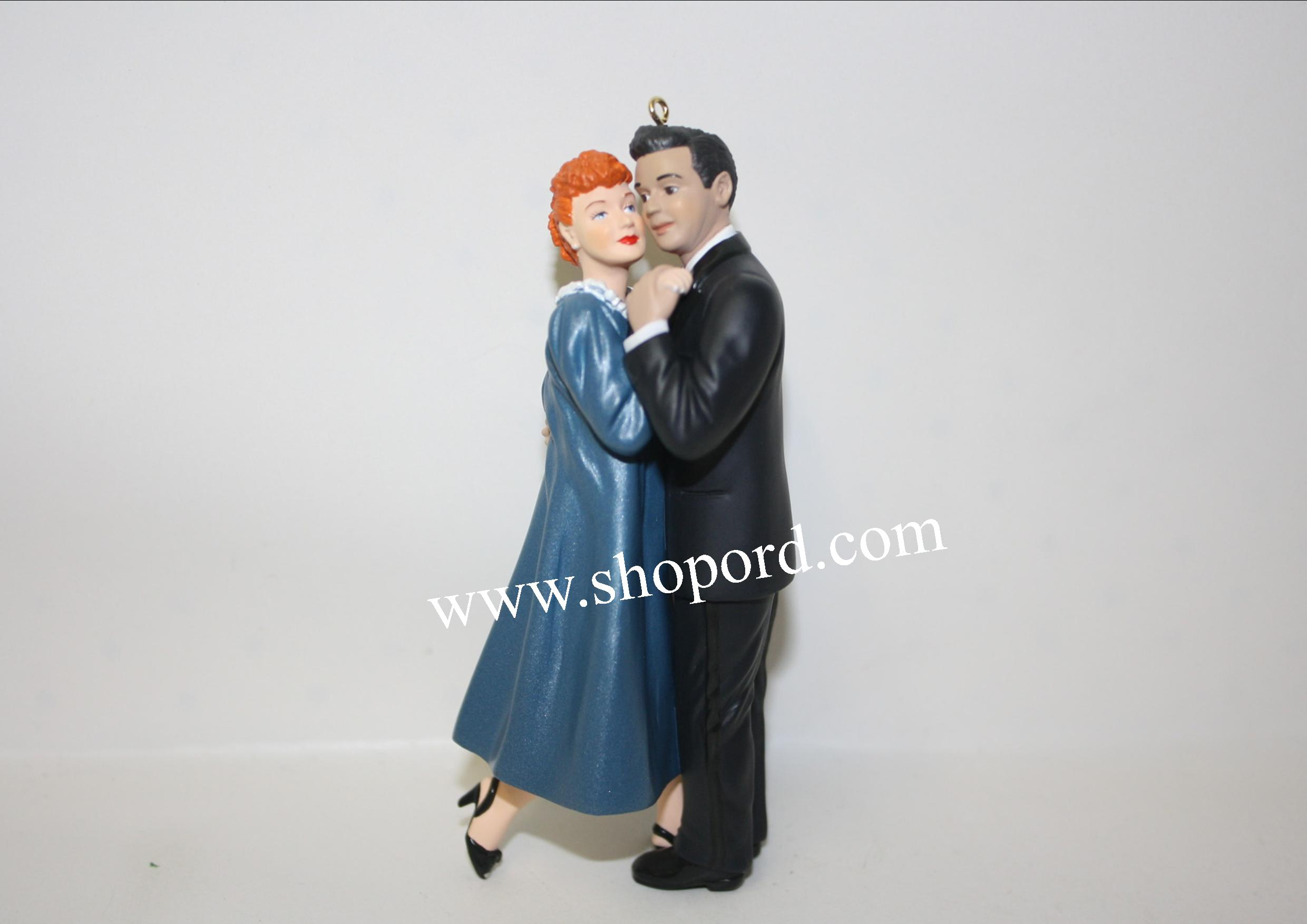 Hallmark 2000 Lucy Is Enceinte Ornament I Love Lucy QX6884