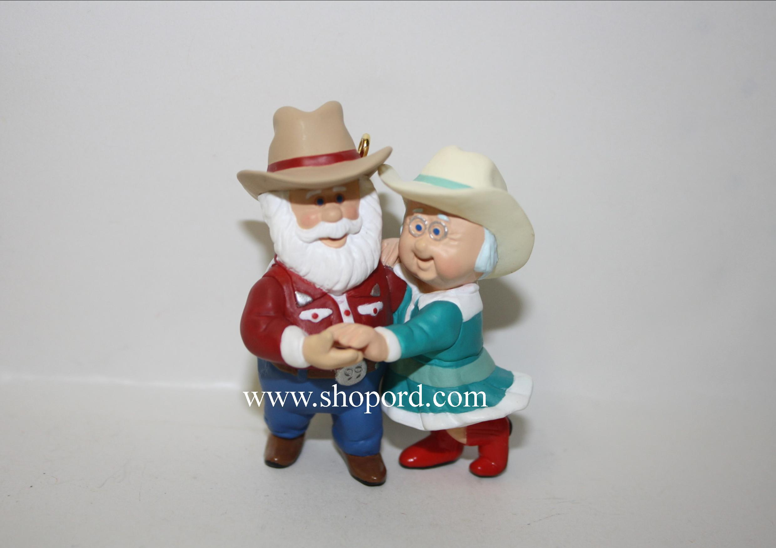 Hallmark 1999 The Clauses On Vacation Ornament QX6399