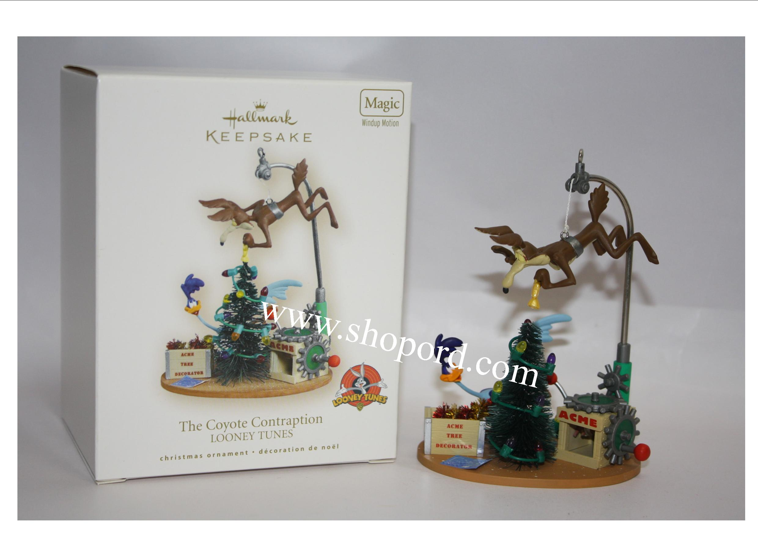 Hallmark 2007 The Coyote Contraption Looney Tunes Magic Ornament QXI4149