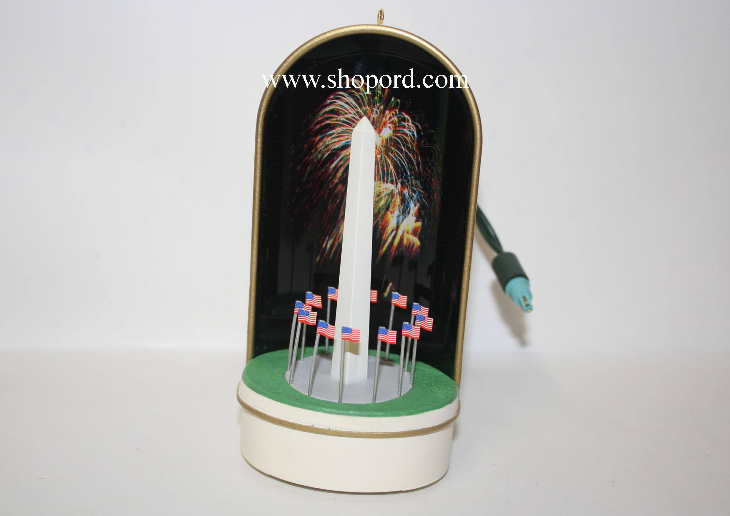 Hallmark 1998 The Washington Monument Ornament QLX7553