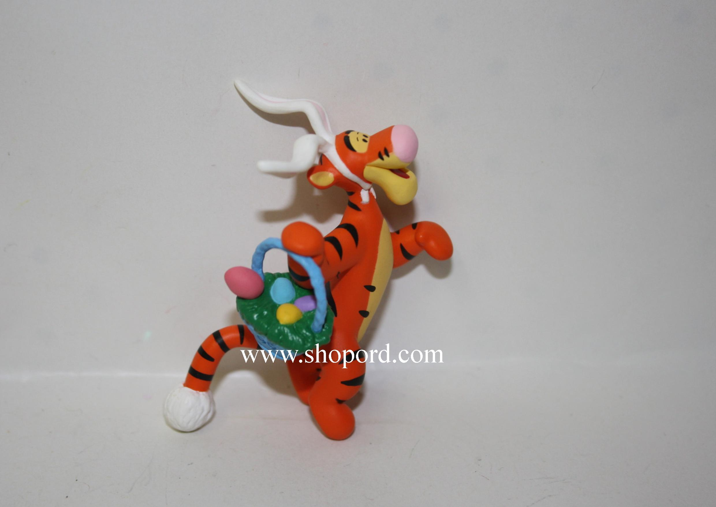 Hallmark 1999 Tiggerific Easter Delivery Spring Ornament Winnie The Pooh QEO8359 Damaged Box