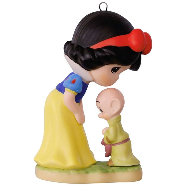 Hallmark 2017 Keepsake Snow White and Dopey Ornament QXD6182