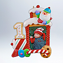 Hallmark 2012 My First Christmas Ornament Childs Age Collection Photo Holder QXG4409