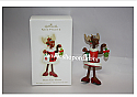 Hallmark 2009 Merry Kiss Moose Ornament QXG6702