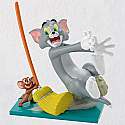 Hallmark 2018 Keepsake Mouse Cleaning Ornament QXI2966