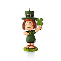 Hallmark 2013/2014 The Peanuts Gang (Patty) St. Patty's Day Ornament 8th in a monthly series QX9835