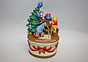 Hallmark 2005 Getting Ready For Christmas Ornament Winnie the Pooh Collection QXD4212 Damaged Box