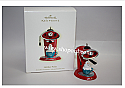 Hallmark 2009 Holiday Perks Ornament QXG6585