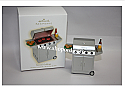 Hallmark 2009 Seasons Grillings Ornament QXG6602