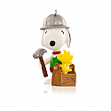 Hallmark 2015 Building Buddies Snoopy Ornament 18th In The Spotlight On Snoopy Series The Peanuts Gang QX9017