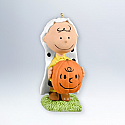 Hallmark 2012 Charlie Brown Halloween Ornament OLantern The Peanut Gang QFO5214
