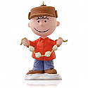 Hallmark 2015 Charlie Brown Ornament Continuity Peanuts Decking The Tree QRP5903
