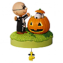 Hallmark 2016 Trick Or Treat Peanut Halloween Musical Ornament QFO5224