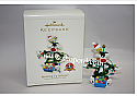 Hallmark 2006 Sprucing Up Sylvester - Tweety Looney Tunes Ornament QXI6126