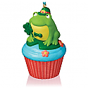 Hallmark 2016 Lucky Leap rechaun Frog Ornament 8th In The Keepsake Cupcake Series QHA1043